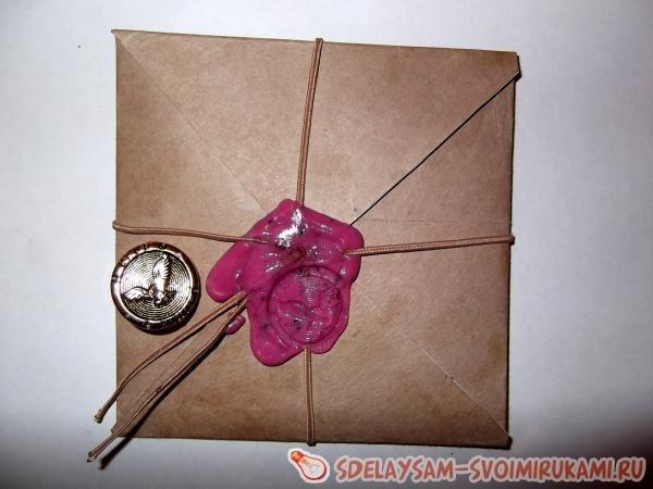 Старинный конверт с печатью из сургуча