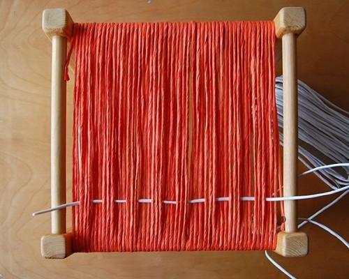 Изготовление плетенного табурета