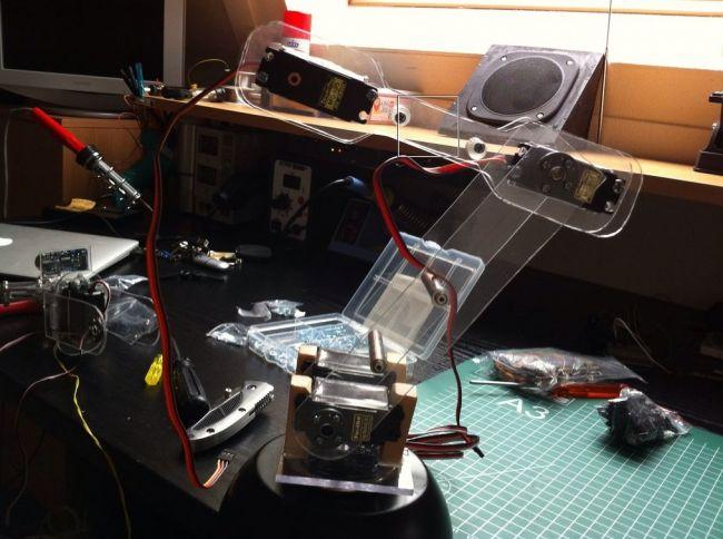 Интересный робот-манипулятор на Arduino