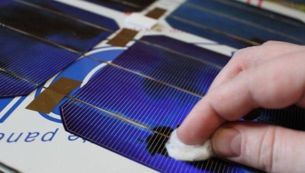 Переносная солнечная панель на акриловом стекле