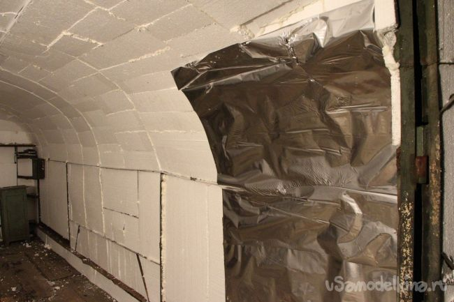 Как дальше утеплить металлический гараж?