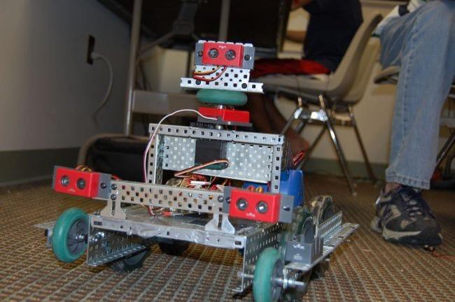 Автономный робот с авто навигацией на Arduino