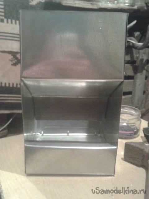 Автоматическая бункерная кормушка для ушастых питомцев кролей