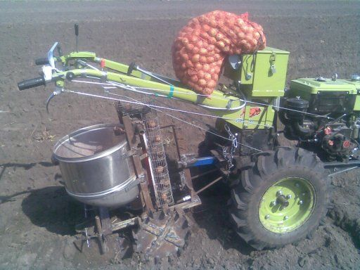 Картоплесаджалка до мотоблока своими руками