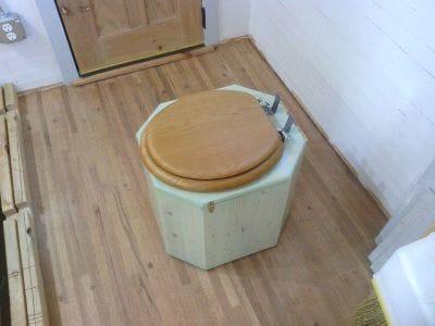 Компостный деревянный туалет своими руками
