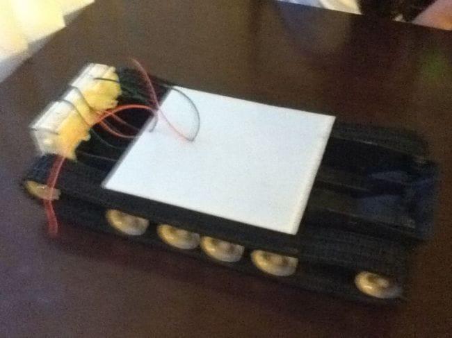 Автономный танк на Arduino