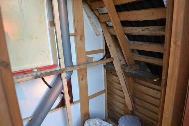 Туалет и душевая кабинка под одной крышей