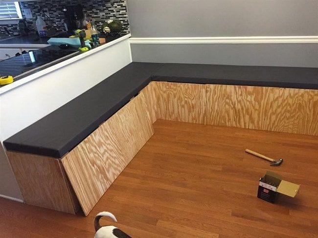 П-образная скамья для столовой