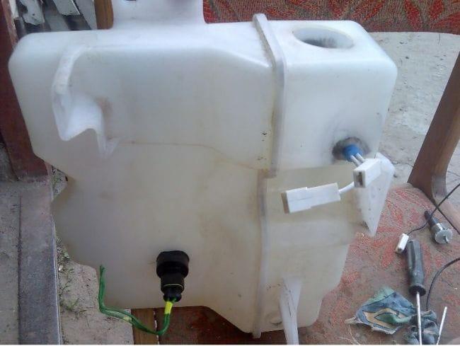 Несколько способов подогрева системы омывания лобового стекла