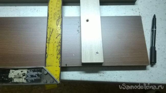 Малогабаритная вешалка-решетка
