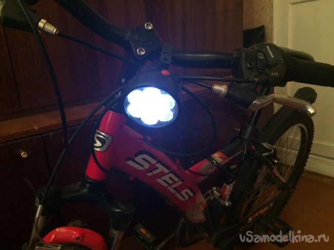 Фара на велосипед из налобного фонарика