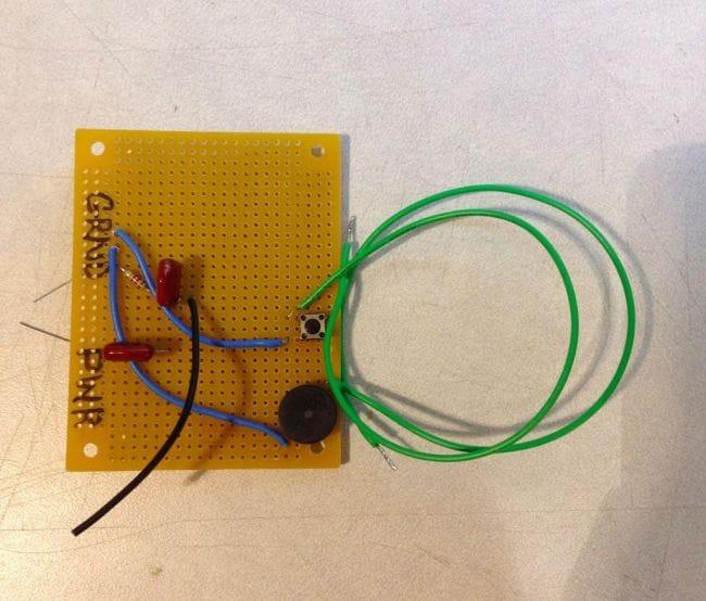 Металлоискатель в виде перчатки на базе Arduino