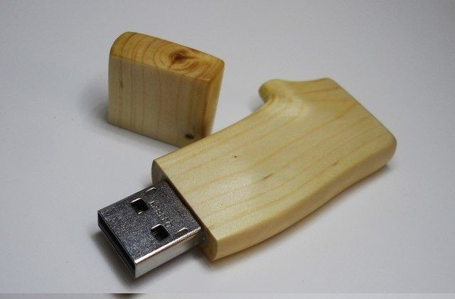 Корпус для флешки из дерева