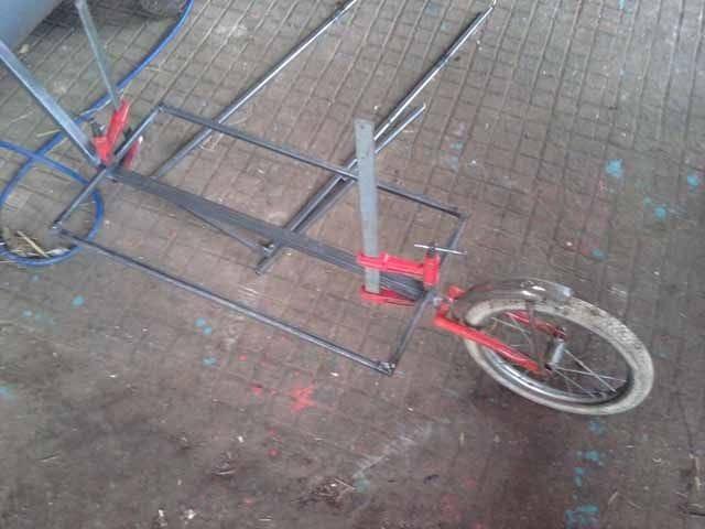 Прицеп-трейлер для велосипеда с одним колесом