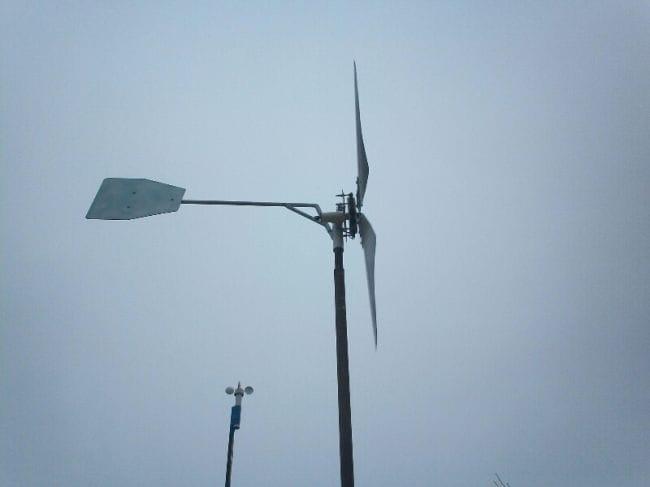 Самодельный Мини ветрогенератор