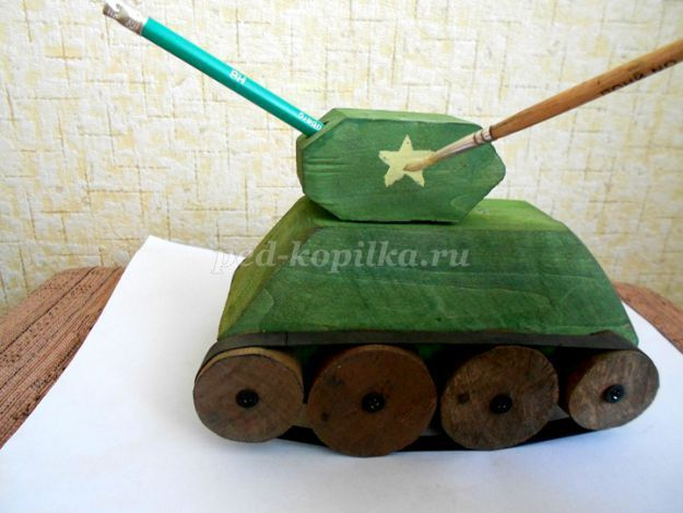 Легендарный танк Т-34 сделанный детскими руками