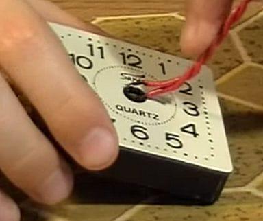 Сигнализатор открытой двери без радиодеталей