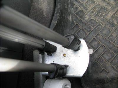 Держатель нетбука в автомобиле
