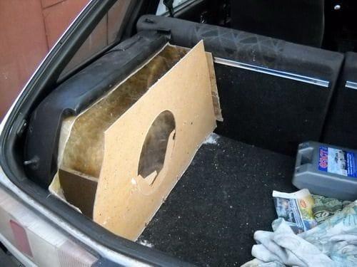 Как сделать своими руками в машину саб
