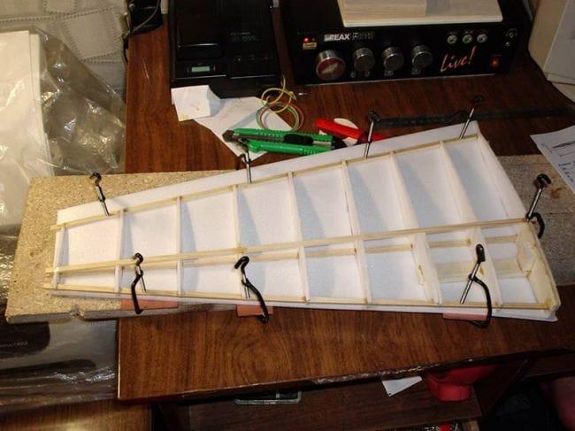 Радиоуправляемая модель самолета ЯК-3