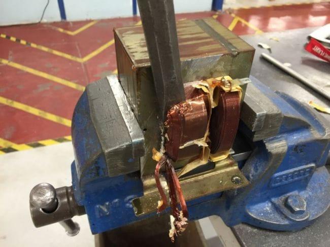 Сварочный аппарат для точечной сварки из трансформатора микроволновки