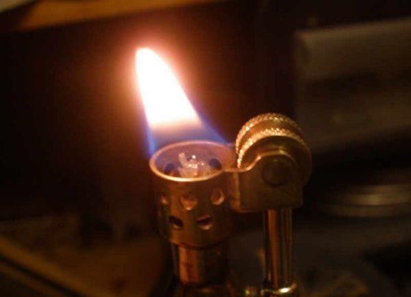 Делаем крутую зажигалку своими руками