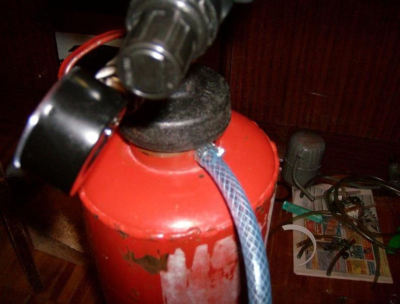Сделать из огнетушителя своими руками 981