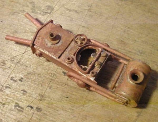 Корпус для флешки в виде V-образного двигателя