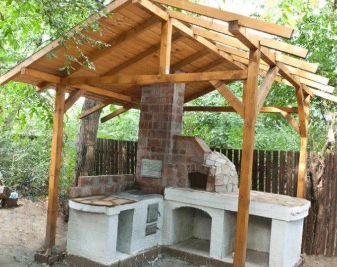 Маленькая летняя кухня на даче своими руками