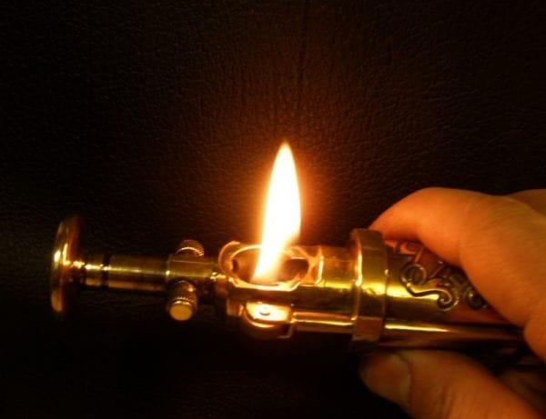 Трубочная зажигалка своими руками.