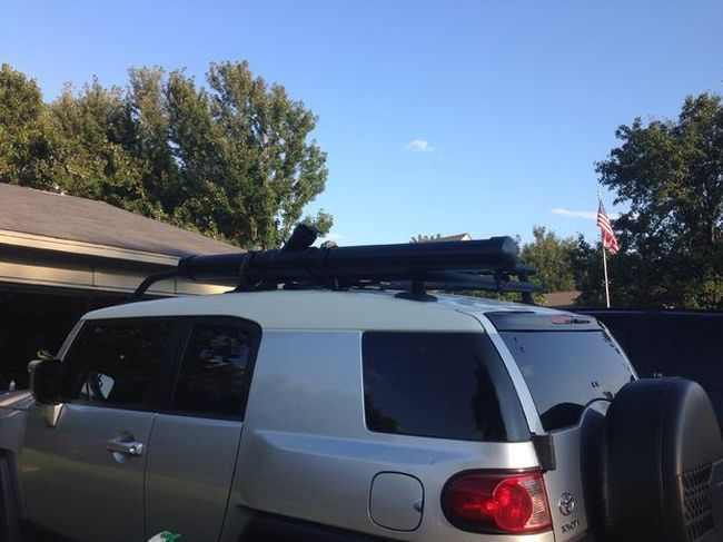 Удобный душ на автомобильном багажнике