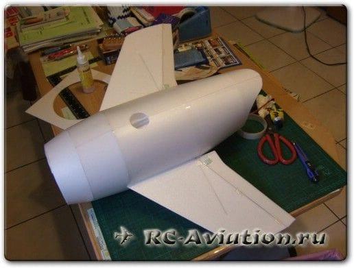 Мультяшная модель самолета