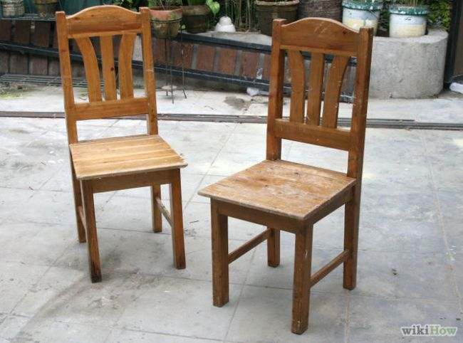 Изящная скамейка из старых стульев для дачи или дома