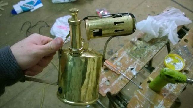 Светильник из паяльной лампы