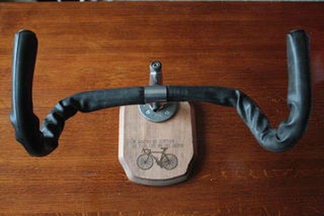 Настенный держатель велосипеда