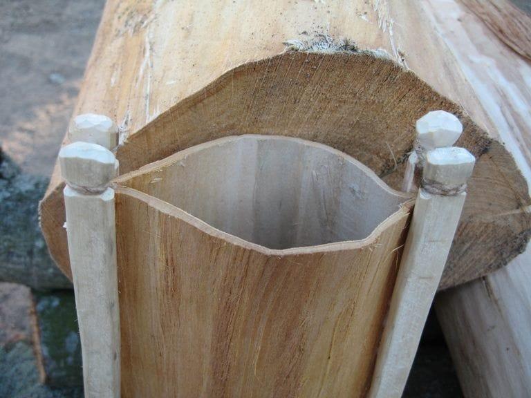 Емкость для воды из липовой коры