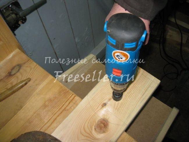 Удобная подставка под электролобзик своими руками