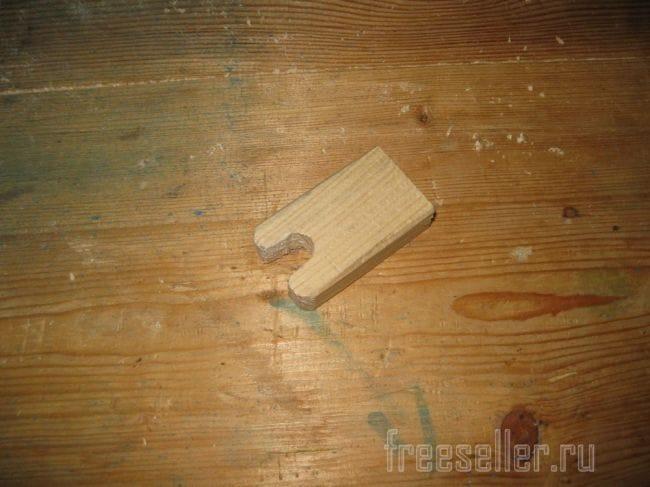 Самодельная подставка-держатель для аккумуляторной отвертки