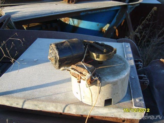 Мышеловка «само-заряжающая» на основе автомобильного редуктора от «дворников»