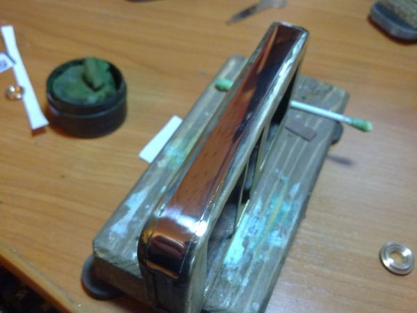 Корпус для телефона в стиле 19 века