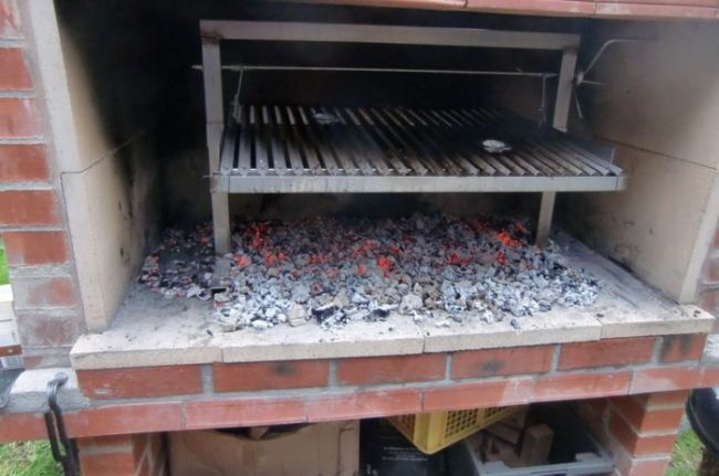 Печь-барбекю из кирпича своими руками