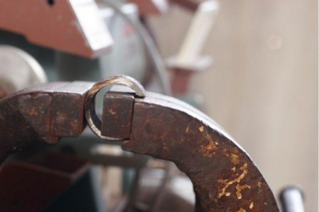 Съёмник-стяжка для пружин амортизатора