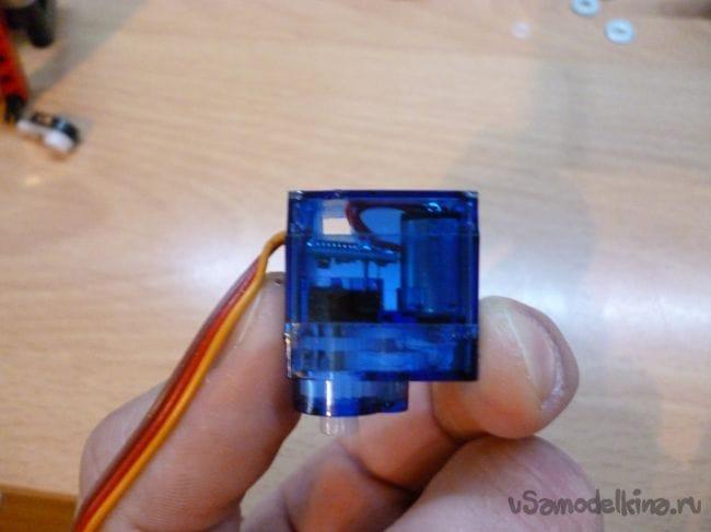 Гоночная машинка из Lego и Arduino