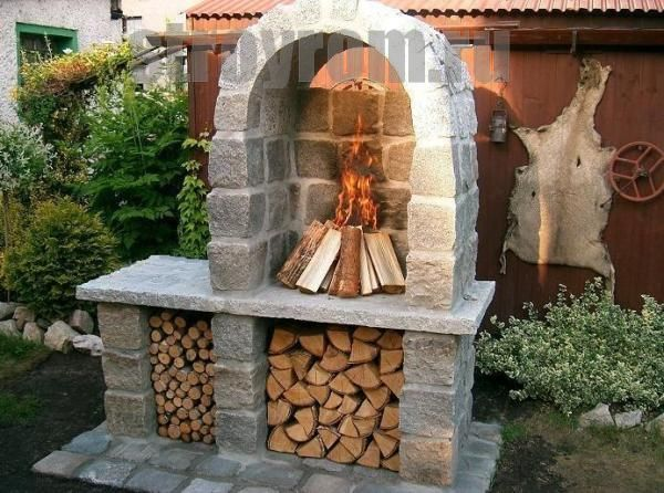 Площадка для барбекю из натурального камня