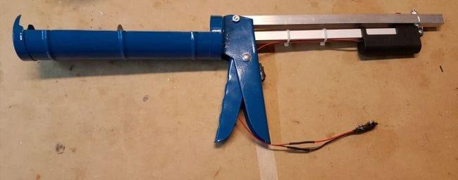 Пистолет для герметика с электроприводом
