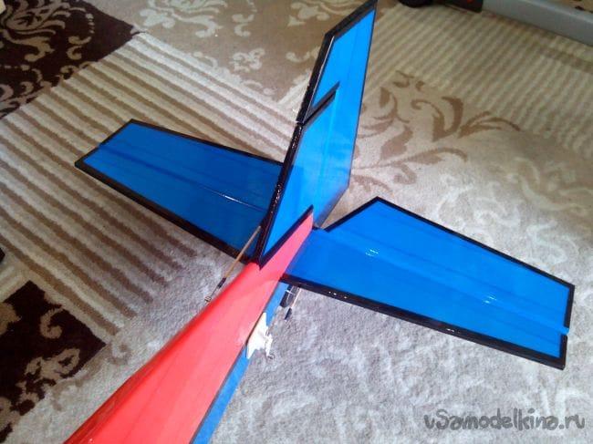 Пилотажная модель Extra 300S