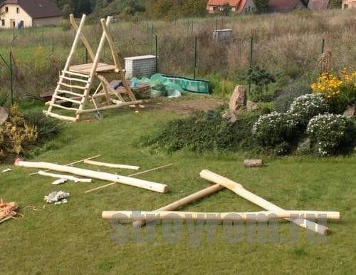Детская игровая площадка из дерева