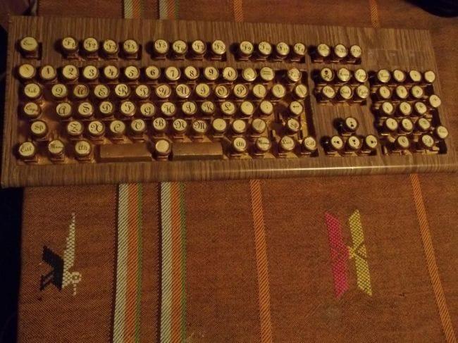 Клавиатура в стиле «steampunk»