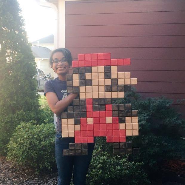 Большой пиксельный Марио