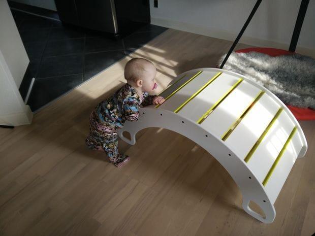 Качель-кроватка для самых маленьких